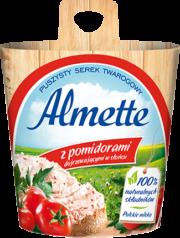Almette z pomidorami dojrzewającymi w słońcu
